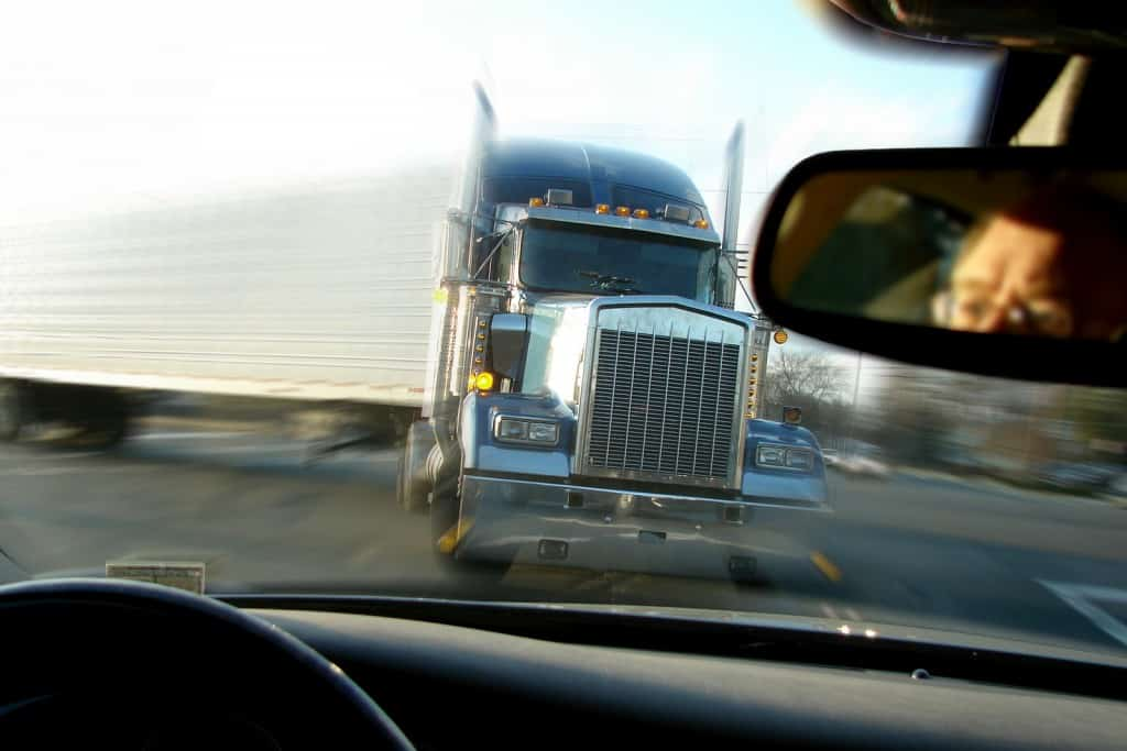 truck accident and injury lawyer kansas city